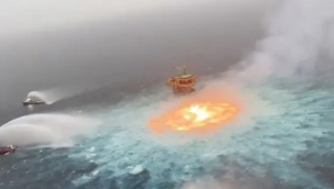 Okyanus yüzeyinde yangın çıktı!